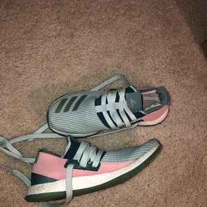 adidas BOOST running shoes. only worn two times.